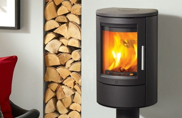 Varde ovne aura 11 wood burning stove by West Country Fires woodburning stoves Hampshire, UK