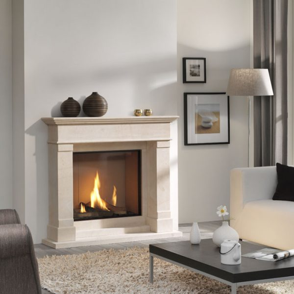 DRU Global 70XT BF is a large, handsome square format gas fire with realistic logs and a choice of interiors. - DRU fires in Southampton