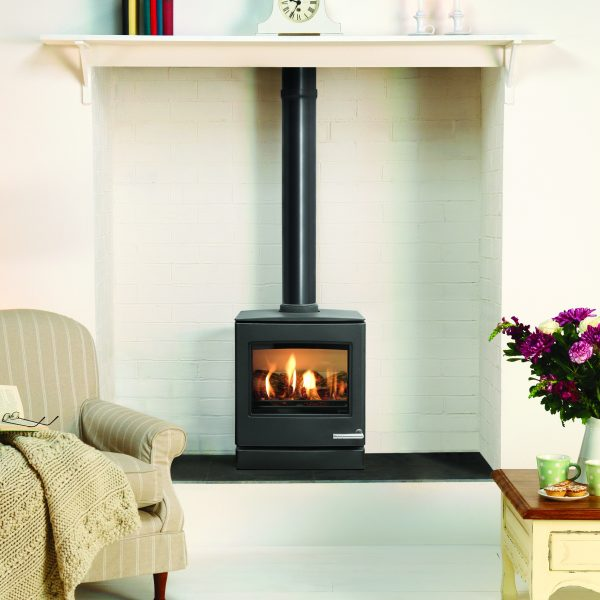 The Yeoman CL5 Gas Stove has a highly realistic log effect fuel bed and superb flame picture to create an inviting warmth. - Yeoman Gas Stoves Southampton
