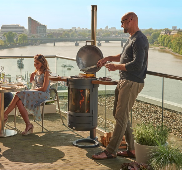 Chesneys Heat 400 barbecue in use