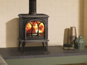 Stovax Huntingdon 35 woodburning stove in matt black with tracery door